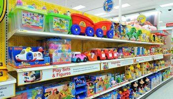 فروش برخی از اسباببازیهای تاریخ مصرف گذشته در بازار
