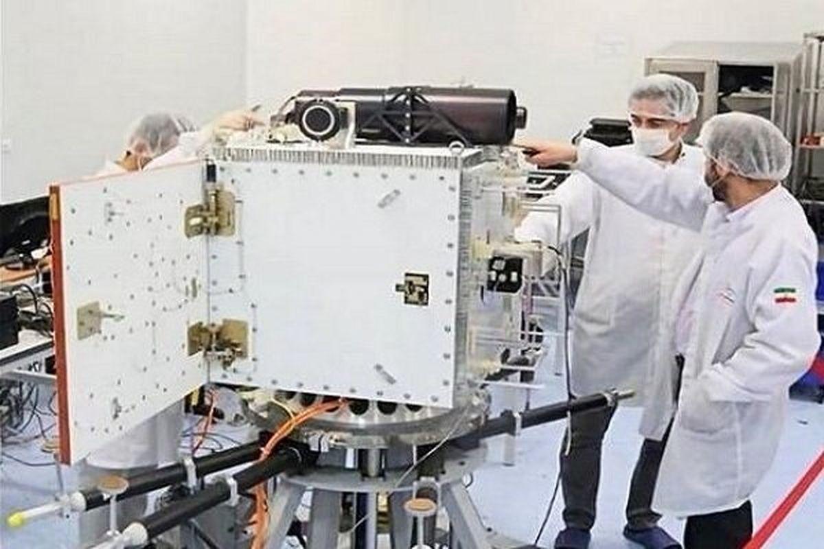 تحویل ماهواره «پارس ۱» به سازمان فضایی ایران