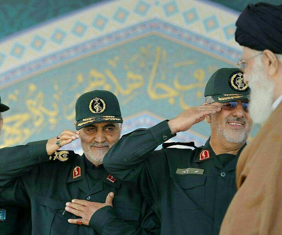 احترام ویژه سردار سلیمانی به رهبر معظم انقلاب +عکس