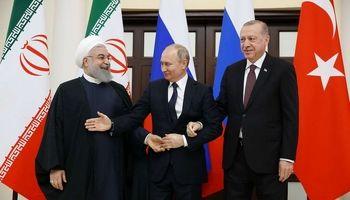 وقتی پوتین میخواهد با هر دو دست روحانی دست بدهد +عکس