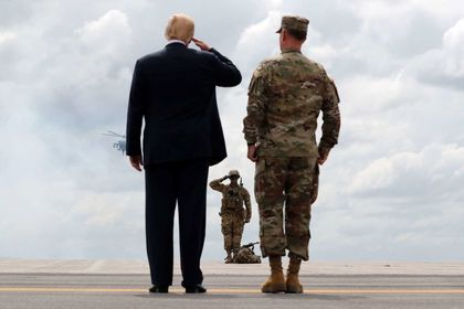 ترامپ قدرت نظامی خود را به نمایش گذاشت +تصاویر