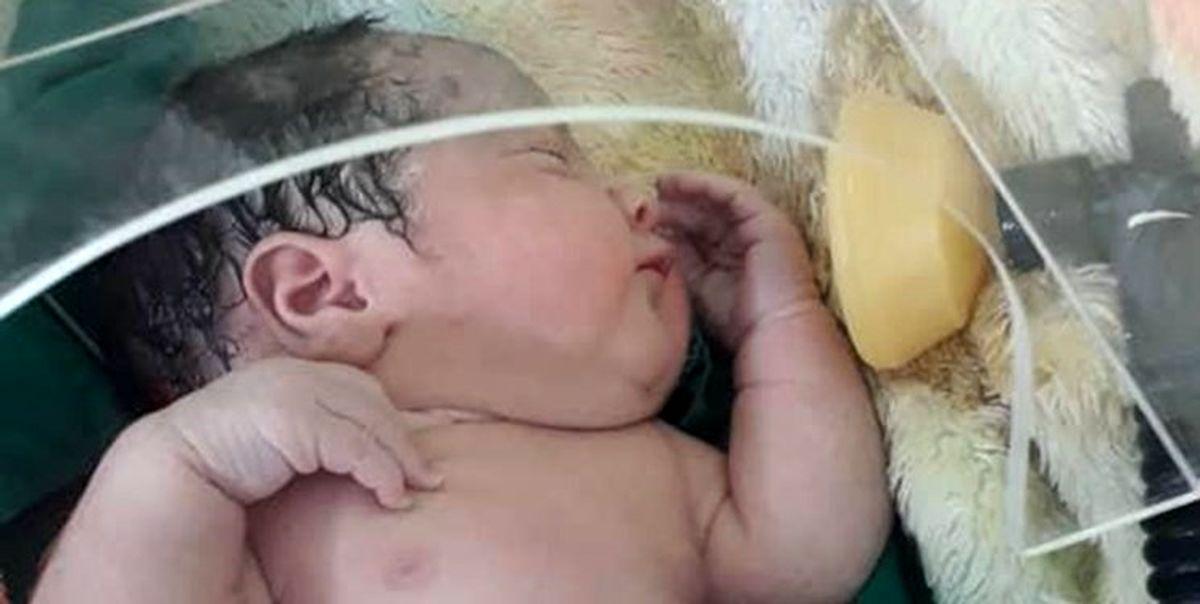 مادران کرونایی با شیشه به نوزادان شیر بدهند