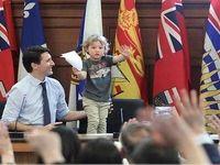 بچهداری نخست وزیر کانادا در دفتر کار +عکس