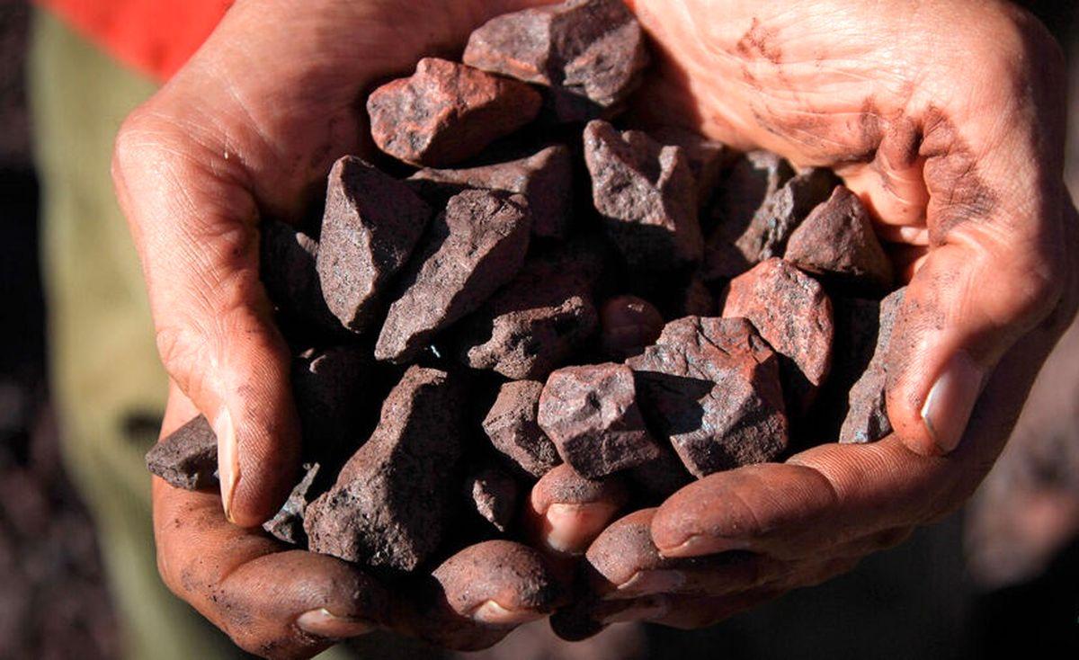 """سنگ آهن دانهبندی """"چادرملو"""" در بورس کالا پذیرش شد"""