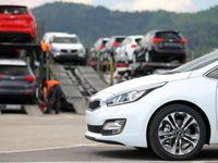 گرانی احتمالی خودروهای وارداتی تا ۳ماه آینده/ گردش مالی نمایشگاهداران اتومبیل به صفر رسید
