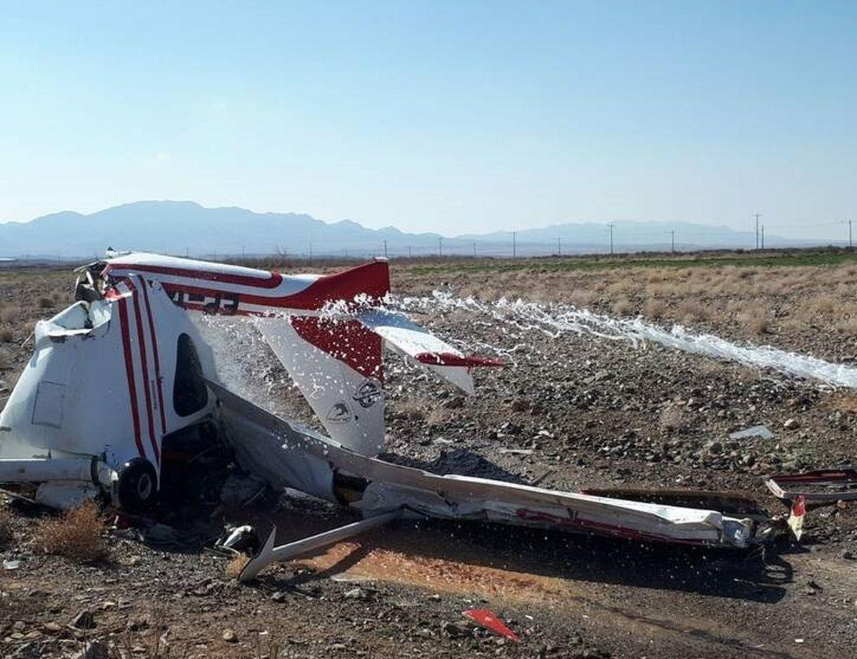 سقوط هواپیمای فوق سبک در کاشمر +تصاویر