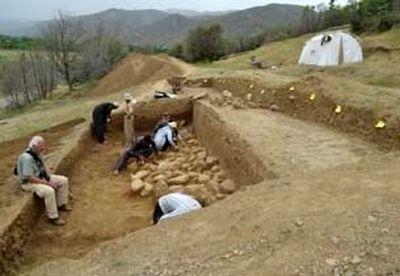 دنیای شگفتانگیز قبرهای خمرهای در ایران +تصاویر