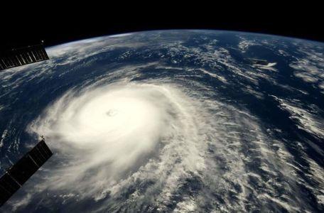 سهمگینترین طوفان چند روز گذشته از فضا +عکس