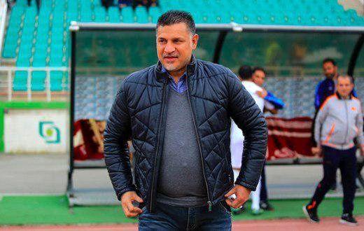 علی دایی در بازی ایران و بحرین +عکس