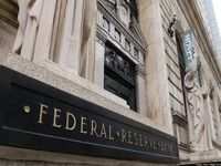 فدرال رزرو نرخ بهره را بدون تغییر ۲.۲۵درصد نگه داشت