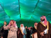 رقص شمشیر پادشاه عربستان در کنار ولیعهدش +عکس
