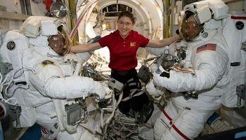 مروری بر آخرین پیادهروی فضایی +عکس