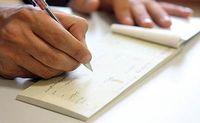 چکهای تضمین شده صرفا در وجه ذینفع صادر میشود/ پشتنویسی و انتقال چک تضمینشده به دیگری، فاقد اعتبار است
