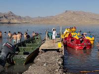 تفریح مسافران تابستانی دریاچه ارومیه +تصاویر