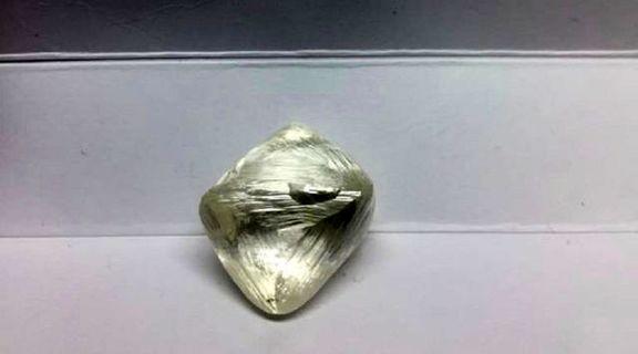 الماس آفریقایی نیم میلیون دلار قیمت خورد +عکس