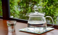 آب را به این ۱۲دلیل داغ بنوشید