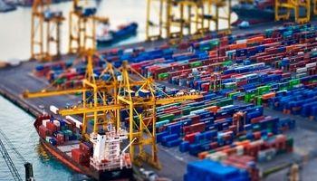 بیش از ۱۰میلیون تن کالای اساسی وارد کشور شد