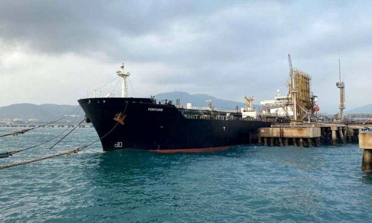 پایان بارگیری نخستین محموله نفت صادراتی در جاسک