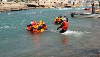 ۱۲نفر از مرگ حتمی در چنگال سیلاب نجات یافتند