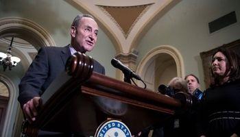 توافق سران سنای آمریکا برای پایان دادن به تعطیلی دولت فدرال