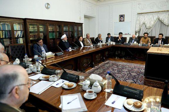 کدام اقتصاددانان به جلسه با رئیس جمهور رفتند؟