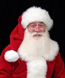 مرگ کودک بیمار در آغوش بابانوئل +عکس