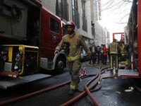 منبع گازوییل، ساختمان خیابان انقلاب را به آتش کشید