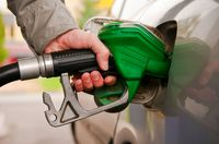سهمیه بنزین تیرماه امشب واریز می شود