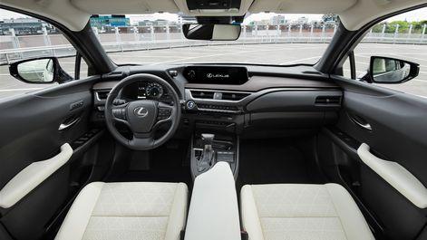 2019-Lexus-UX-250h-Mercury-Grey-F-Sport-17