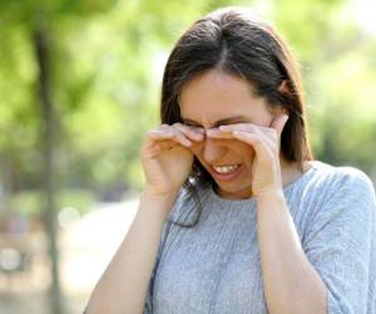 سنگینی پلک چطور درمان می شود؟