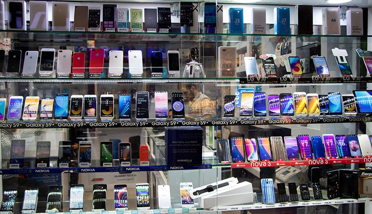 سقوط قیمت موبایل در بازار