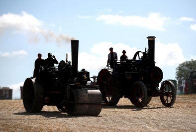رژه ماشین بخار