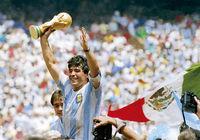 دیه گو مارادونا؛ قهرمان فوتبال و قربانی زندگی