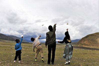 اولین زن خلبان تبتی