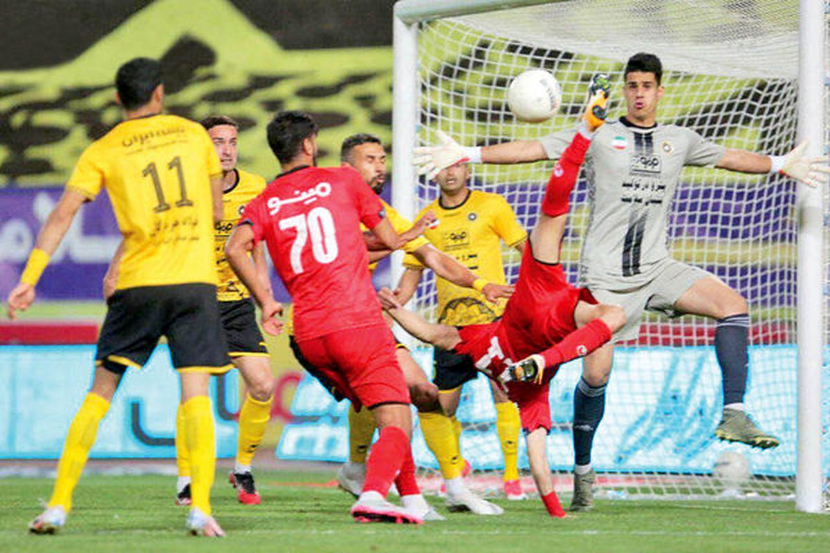 اوج فشردگی در فوتبال ایران