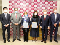 اهدای ۳۰۰۰ماسک از سوی سفارت کره جنوبی به مؤسسه خیریه محک