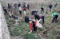 پاکسازی تالاب زریبار مریوان توسط حامیان محیط زیست