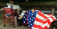 ۴۸درصد مردم آمریکا در مرز خط فقر زندگی میکنند