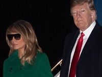 عینک آفتابی زدن ملانیا ترامپ در شب! +فیلم