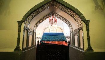 مهمترین زیارتگاه یهودیان ایران +تصاویر