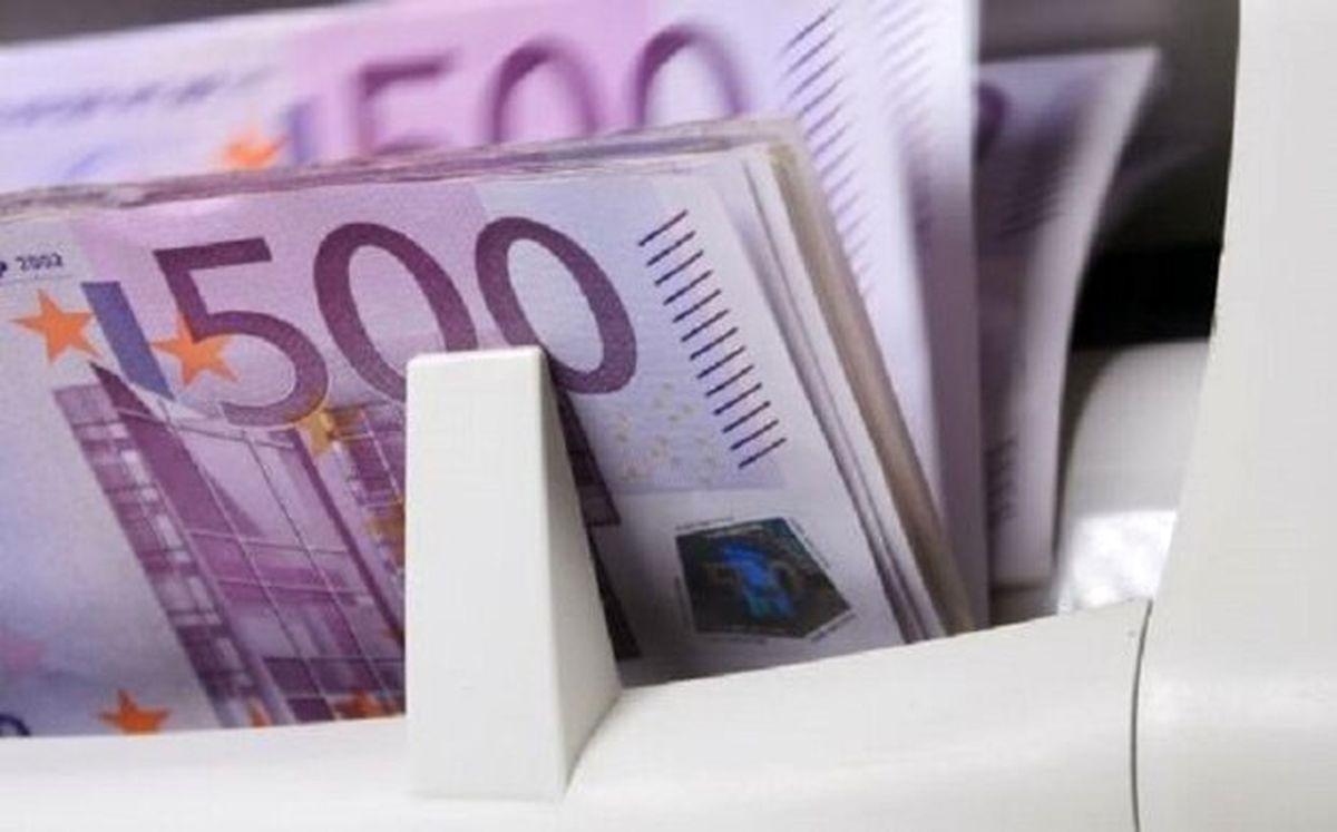 یورو پرتراکنشترین ارز جهان شد