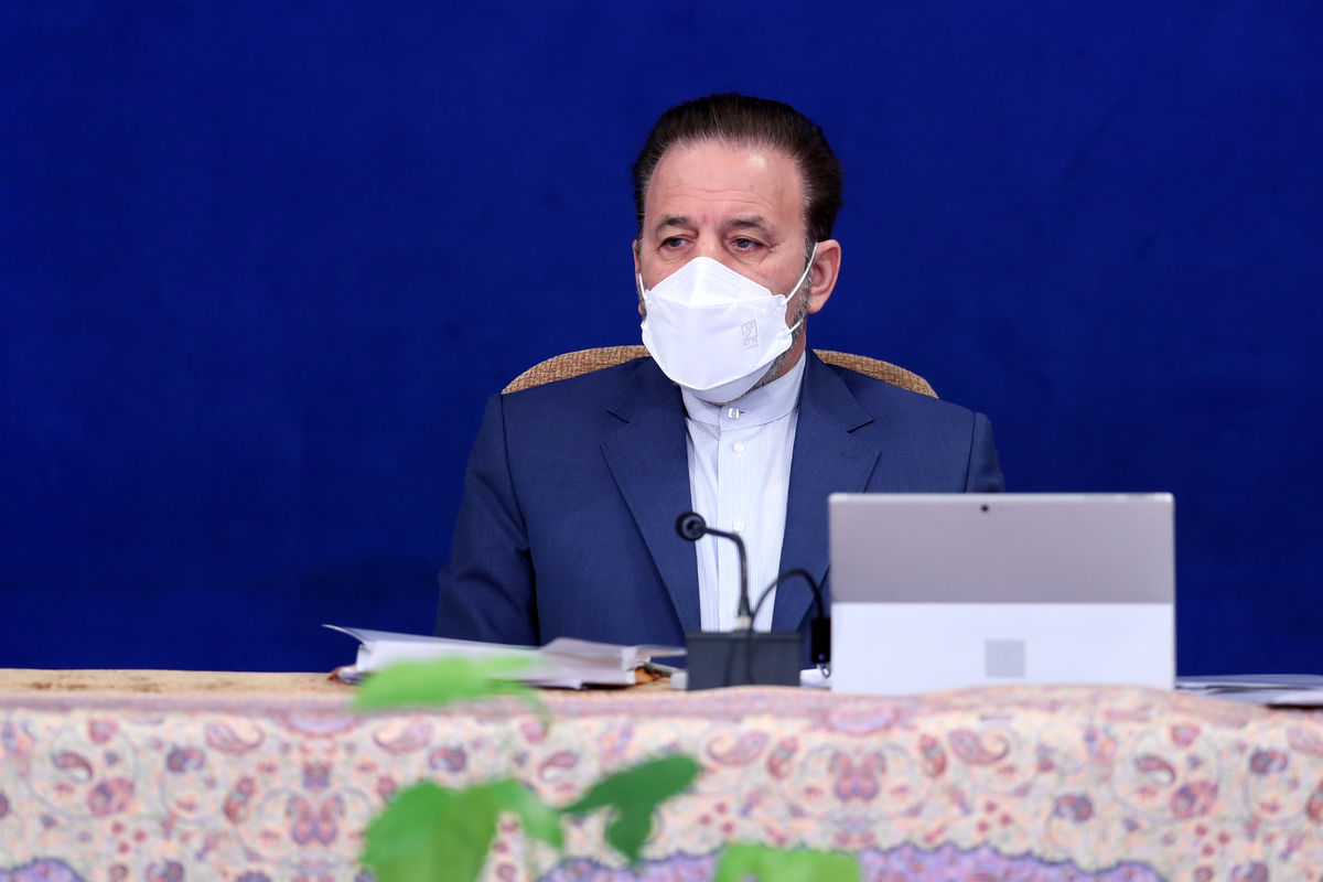 واکنش واعظی به خبر کاندیداتوری خود و لاریجانی