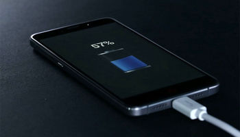 محققان: تلفن همراه افراد را چاق میکند