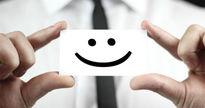 لبخند زدن واقعا افراد را شاد میکند