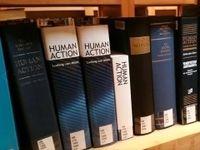 آشنایی با ۱۰ قانون بنیادین اقتصاد برای حل بحرانها
