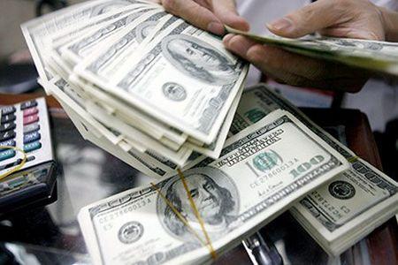 دولت از نرخ ٤٢٠٠ برای ارز دفاع نکند/ با نرخ فعلی تورم مهار نمیشود