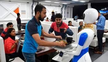 گارسونهای این رستوران ربات هستند +عکس