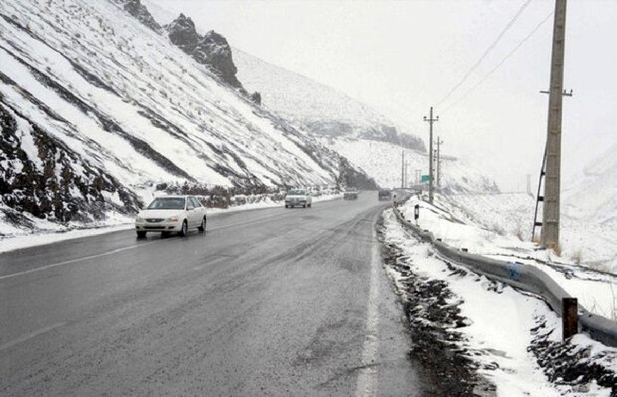 احتمال سقوط بهمن در محورهای کوهستانی