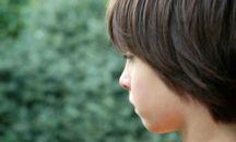 چرا برخی از کودکان لکنت زبان میگیرند؟