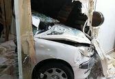 خودرو ۲۰۶ پس از تصادف وارد خانه مردم شد! +عکس